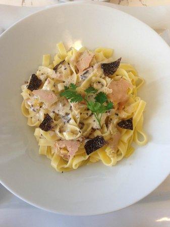 Restaurant du Cours : Les tagliatelles fraiches aux truffes et copeaux de foie gras