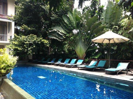 โรงแรมอริยาศรมวิลล่า: Pool
