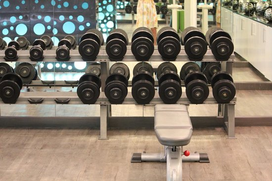 Renaissance Phuket Resort & Spa: Gym's weights