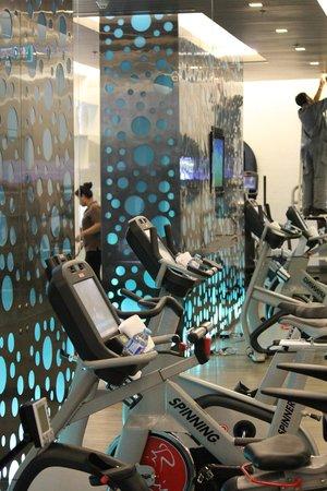 Renaissance Phuket Resort & Spa: Gym's spinning bicyles