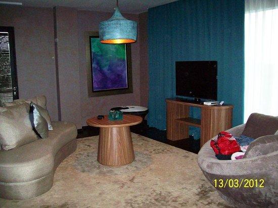 Amaroossa Suite Bali: Living Room