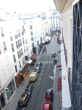 Hotel Relais Bosquet Paris: View towards rue Cler