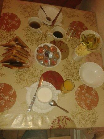 Chiswick Court Hotel: colazione