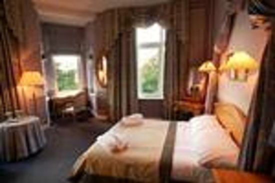 Martin's Manoir Du Lac : Charming Room