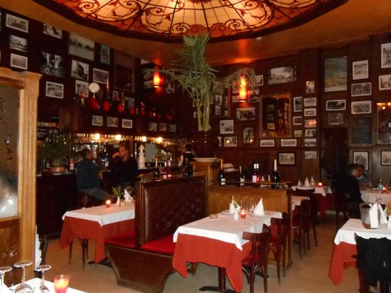 Bagatelle : Inside the restaurant