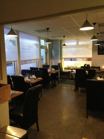 Jacques Seafood Restaurant: front room1
