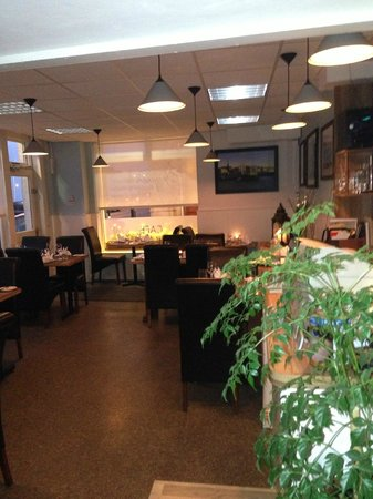 Jacques Seafood Restaurant: front room 2