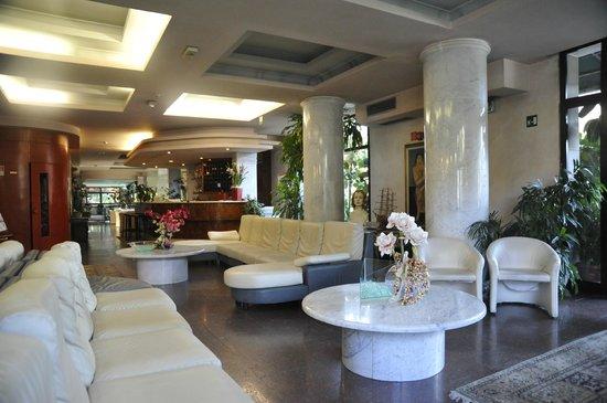 La Reception dell'Hotel Mariotti
