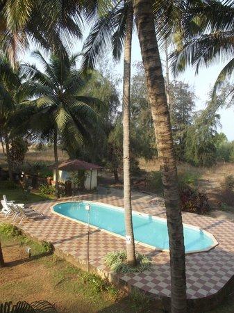 Miramar Residency: swimming pool