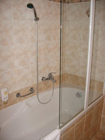 Hotel Maly Pivovar: Bathroom