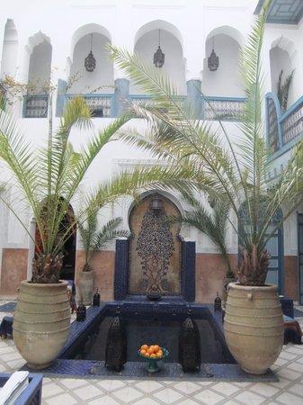 Dar Meryem : inside riad court yard