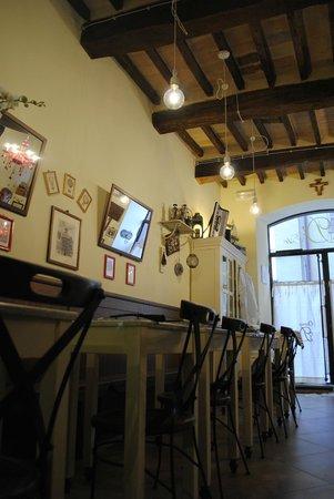 Tolentino, อิตาลี: L'angolo degli aperitivi