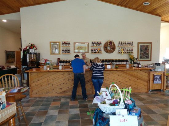 Abingdon Vineyard & Winery: Wine Tasting Bar