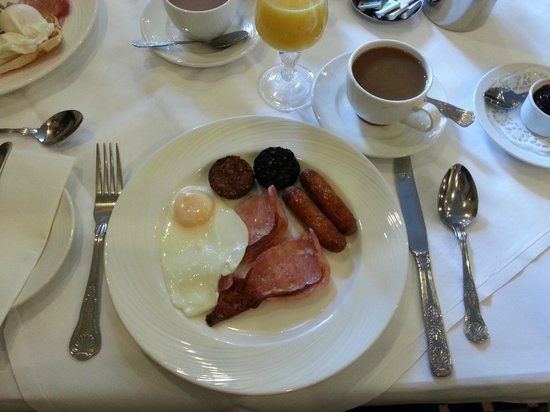 Victoria House Hotel: First Irish Breakfast!
