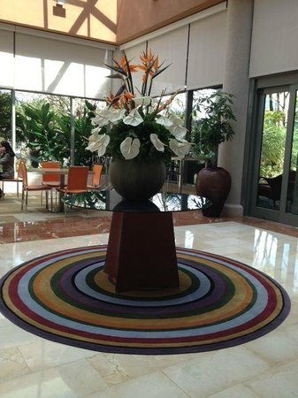 Doubletree by Hilton San Juan: Lobby area.