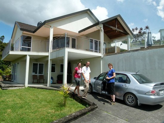 Whangarei Views Bed and Breakfast & Apartment: Hausansicht - unten das Apartment