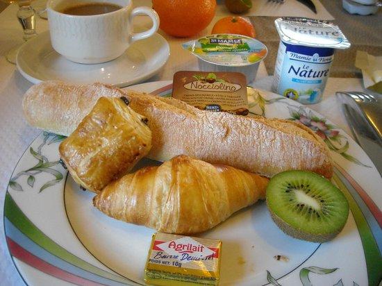 Hotel Le Beauvoir : 朝食ビュッフェ