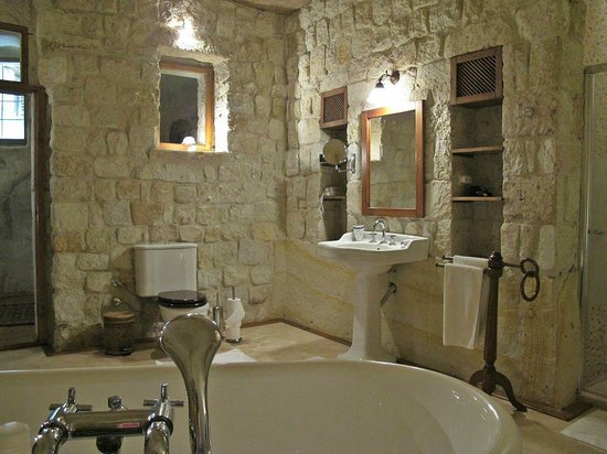 Esbelli Evi Cave Hotel: Best bathroom I've ever seen!