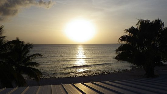 The Grandview Condos Cayman Islands: Sunset