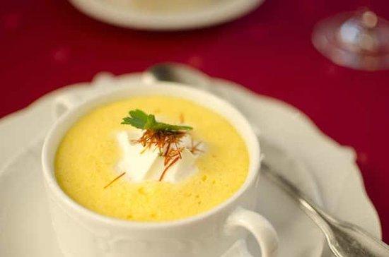 Hotel Landgasthof Zum Goldenen Schwanen: feine Karottencrémesuppe
