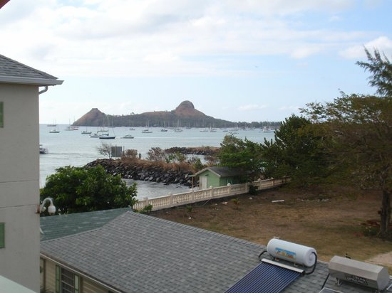 Bay Gardens Beach Resort: view of pigeon island from our blacony.