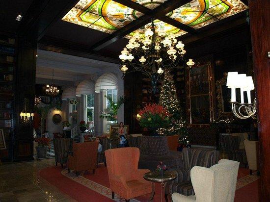 Hotel Geneve Ciudad de Mexico: Library