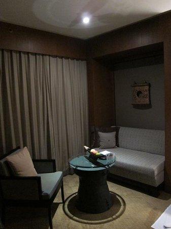 曼谷港麗酒店照片