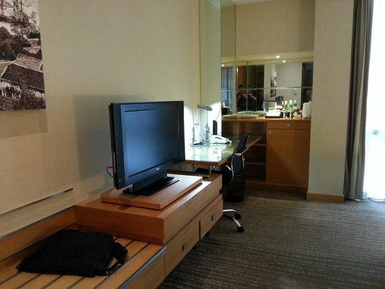Holiday Inn Bangkok: 房间