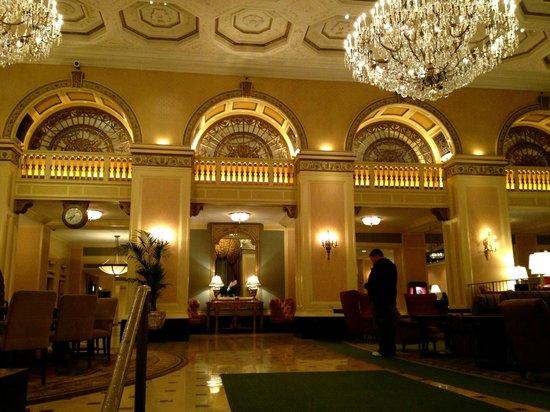 Omni William Penn Hotel: Gorgeous lobby