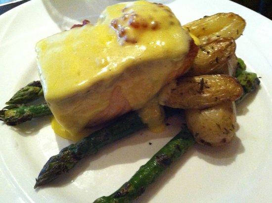 Rendez Vous Bistro : Truffled Salmon