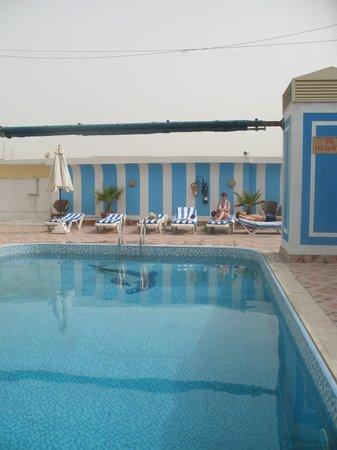 Versailles Hotel: бассейн