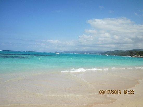 ClubHotel Riu Ocho Rios: Spectacular beach