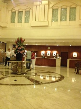 Saigon Prince Hotel: hotel lobby