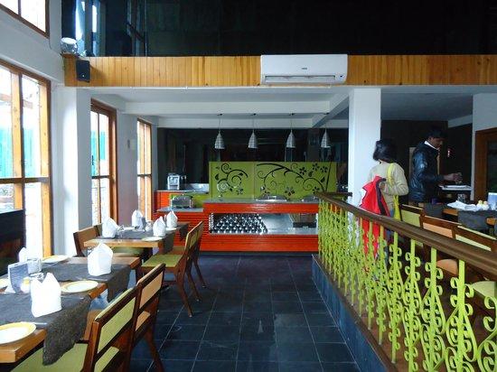 Honeymoon Inn Manali: Restaurant