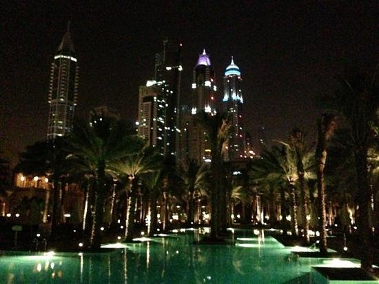One&Only Royal Mirage Dubai: night view of the pool