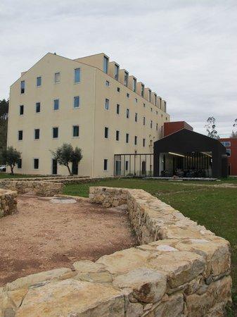 HD - Duecitania Design Hotel: Hotel rear
