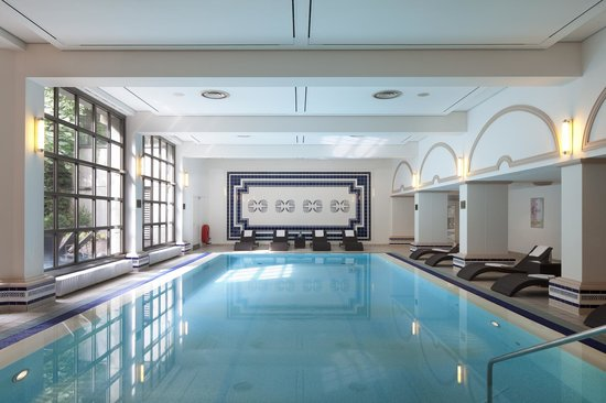 Indoor Pool at the Hamburg Marriott Hotel