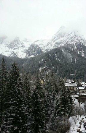 Albergo Colfosco: Le Pale di San Martino dalla nostra camera