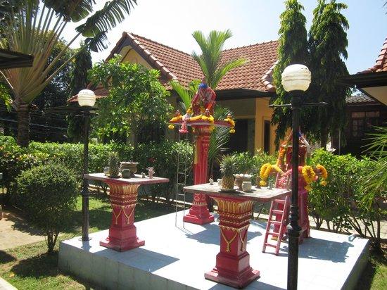 Relax Garden Bungalow Phuket