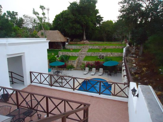 Hotel Rinconada Del Convento: View from the roofdeck of the grounds