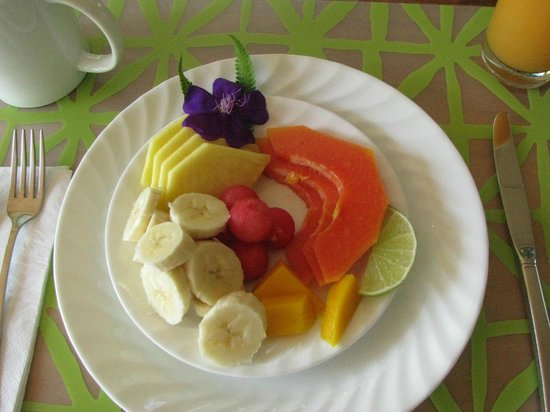 Villa Decary: fruit for people--breakfast