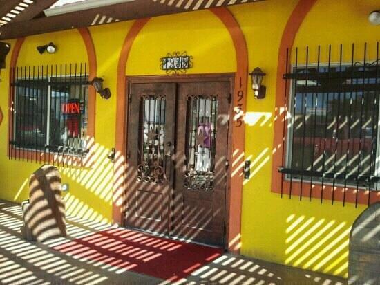 Taqueria Chihuaua: Entrance