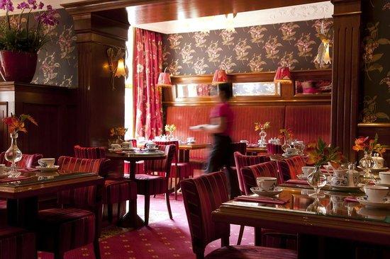 Hotel Estherea: Breakfast