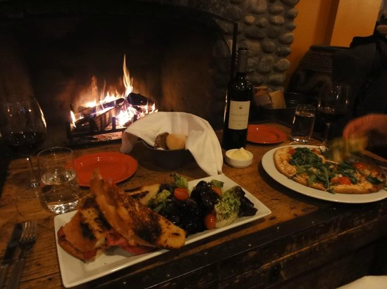 Emerald Lake Lodge: Great meal in front of the fireplace in the main lodge
