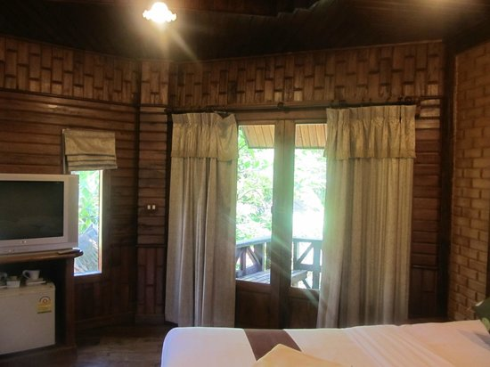 Phu Pha Ao Nang Resort and Spa: The balcony's outside