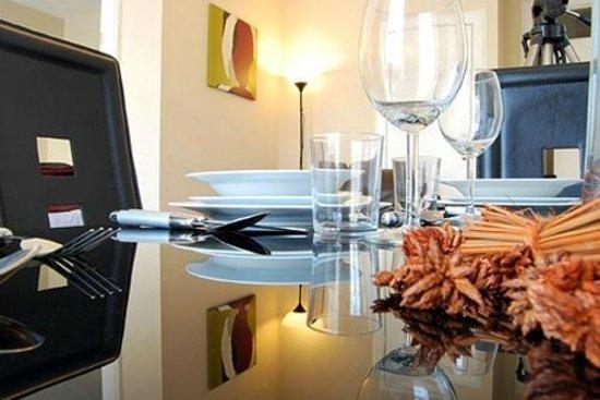 Stay Edinburgh City Apartments - Royal Mile: Dining Area