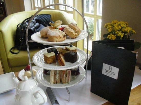 Bannatyne Spa Hotel: Our afternoon tea!