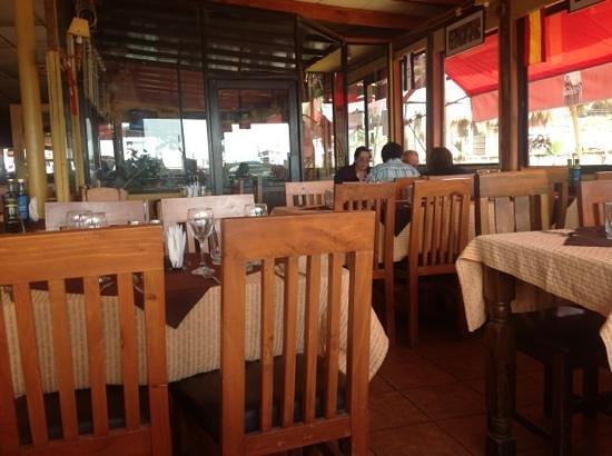 Restaurante Emeterio: dentro de la picá
