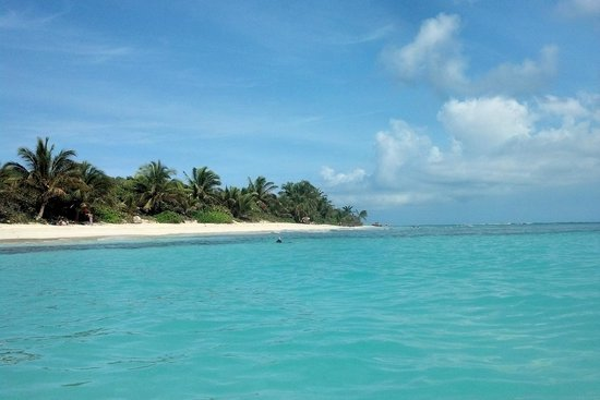 Flamenco Beach: looking at the campgrounds