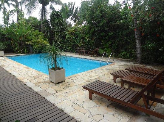 Pousada Missanga : Vista da piscina